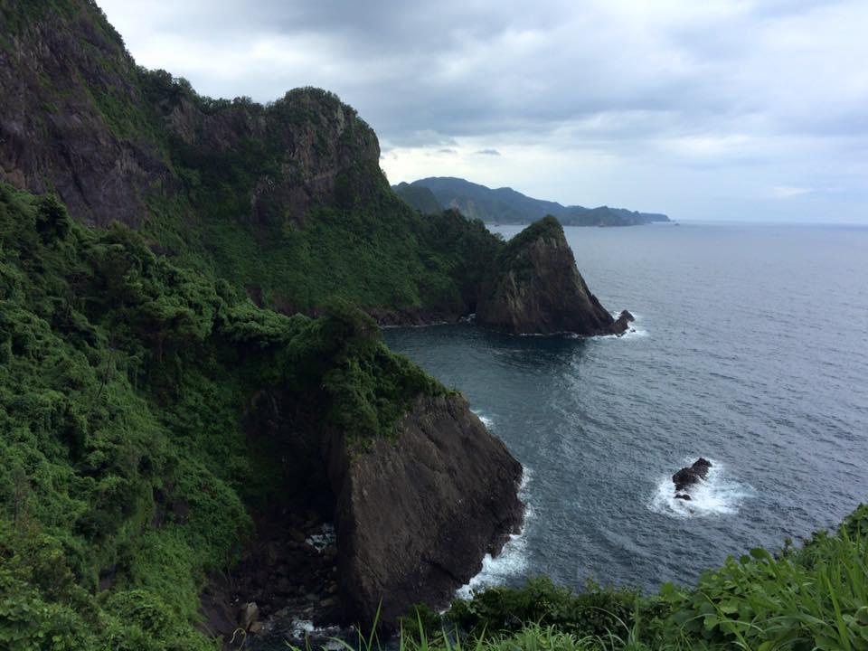 千束の断崖