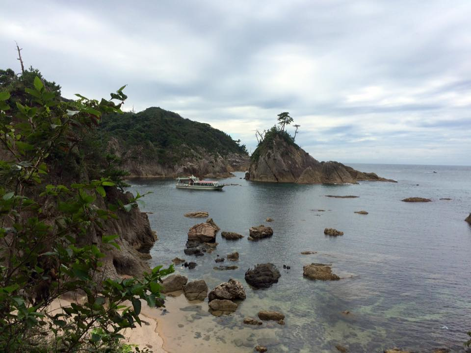 鴨ヶ磯浦富海岸島めぐり遊覧船