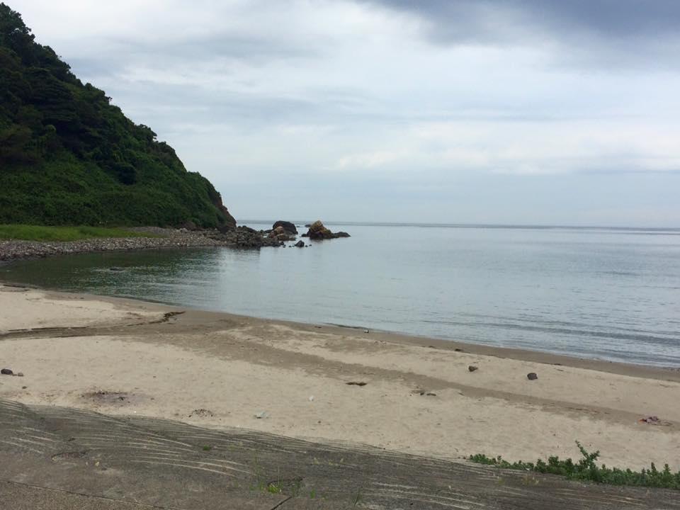 岩美キッズトライアスロンとの会場の大谷海岸と岩石クイズ