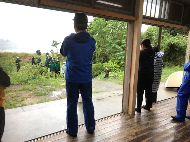 若桜学園の修学旅行に熊井浜鴎鳴荘を案内しました
